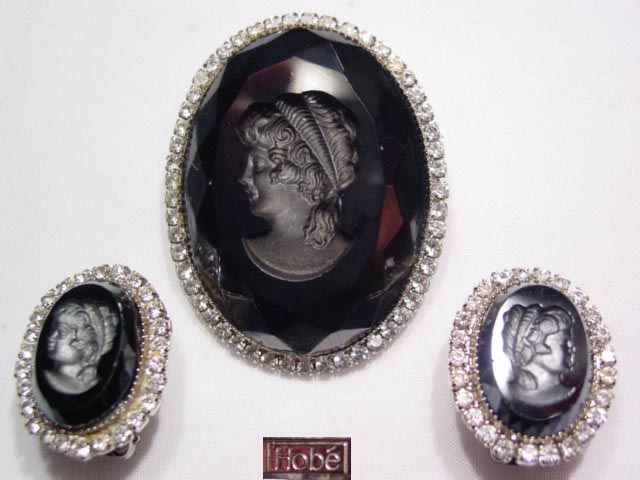 Beautiful Black and Rhinestone Hobe Intaglio Cameo Set