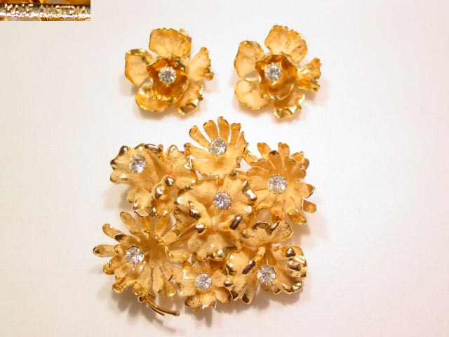 Austrian Goldtone and Rhinestone Cluster Flowers Pin and Earrings Set