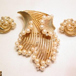 Trifari Splash of Pearls Pin and Earrings