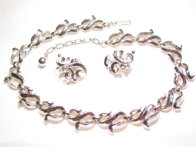 Trifari Silvertone Swirl Necklace and Earrings Set
