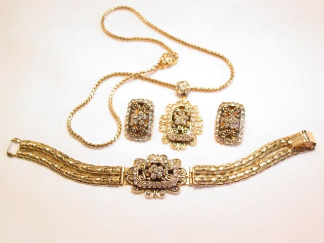 Antiqued Goldtone Rectangle Parure