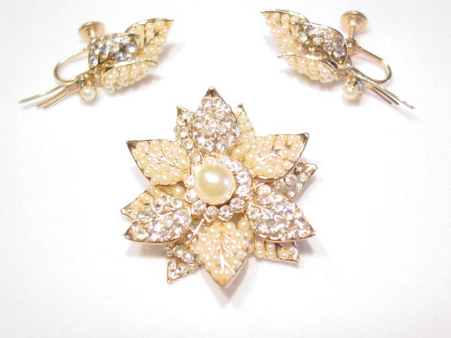 Dainty Pearl and Rhinestone Flower Pin and Earrings Set