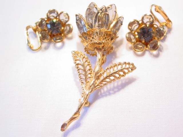 3-Dimensional Gray Rhinestone Flower Pin and Earrings Set