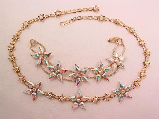 Vibrant Pink Aurora Borealis Stars Necklace and Bracelet