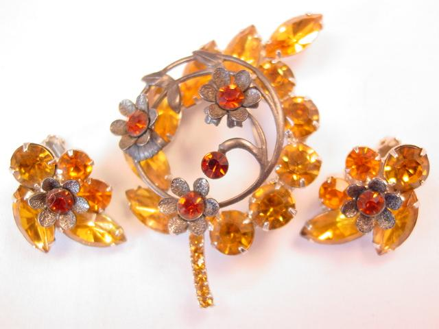 Topaz-Colored Floral Leaf Pin and Earrings Set