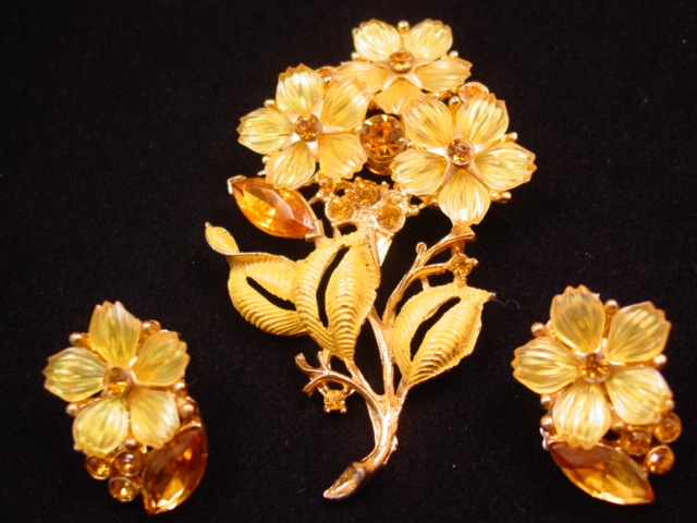 Yellow Plastic Flower Bouquet Pin and Earrings Set
