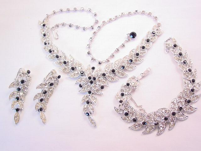 Stunning Emmons Black and Clear Rhinestone Parure