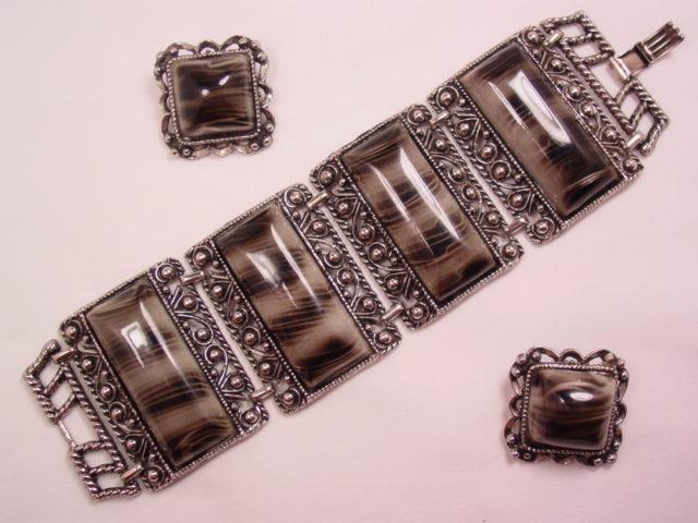 Animal Skin Plastic Bracelet and Earrings Set