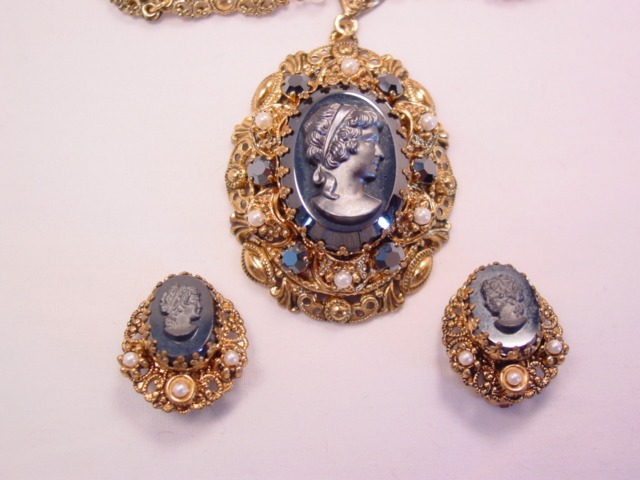 Beautiful Hematite-Colored West German Cameo Necklace and Earrings Set